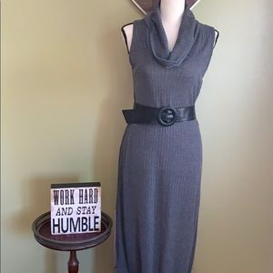 Ladies black sleeveless maxi dress w/belt size M